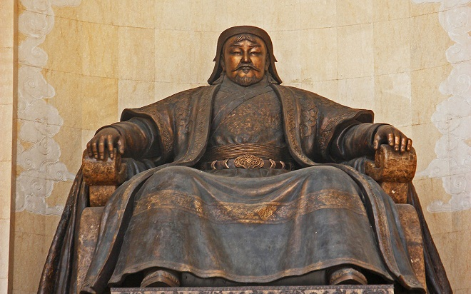 changez-khan-statue-marathipizza