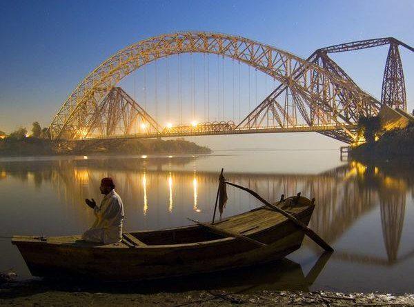 praying muslim vandemataram hindustan zindabad marathipizza