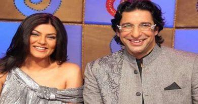 Wasim-Akram-with-Sushmita-Sen-InMarathi