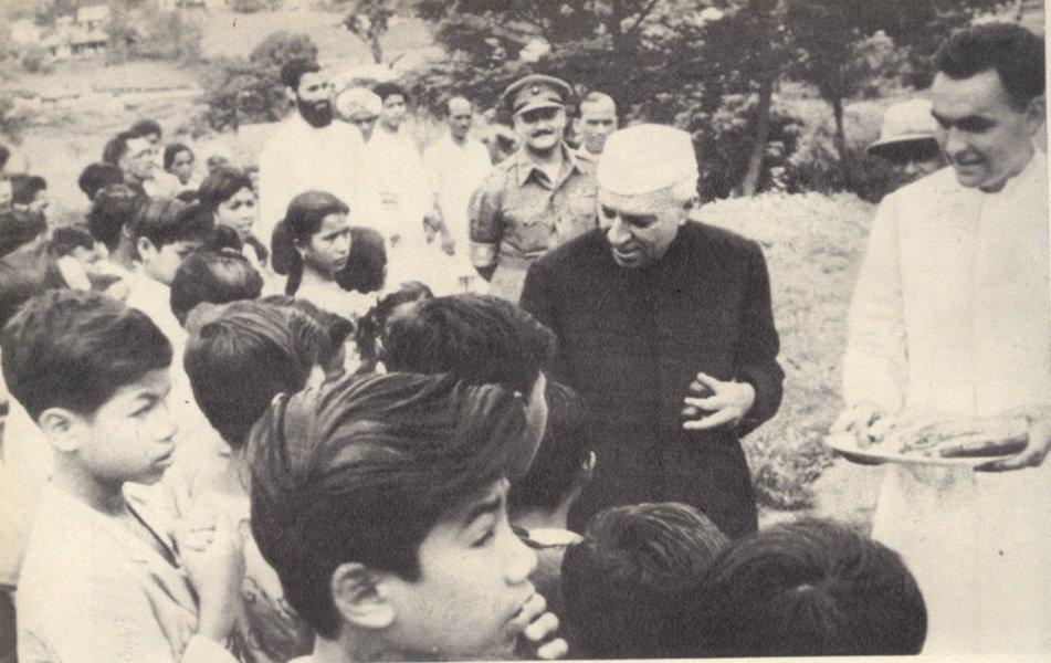 Brife History Pandit Nehru InMarathi 12