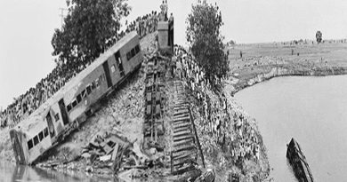 India's biggest railway accident.Inmarathi00