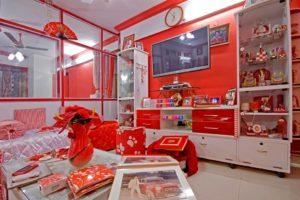 Red and white family bangalore.Inmarathi3