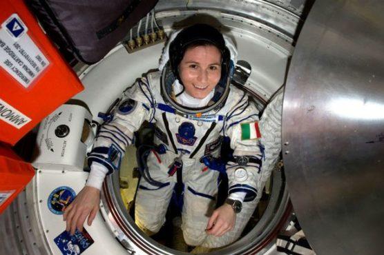 women astronout-inmarathi