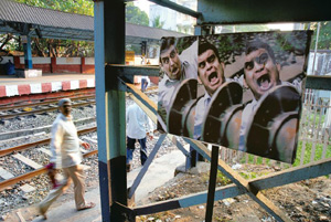 Wadala experiment stopped railway track crossing accidents.Inmarathi2