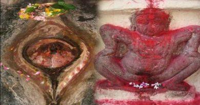 Kamakhya temple worship vagina.Inmarathi00