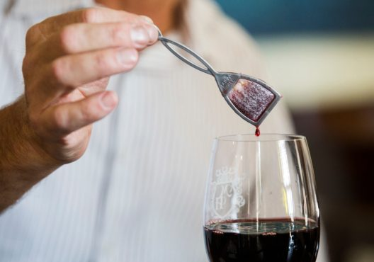 pure-wine-inmarathi