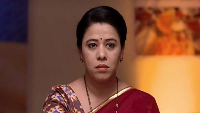 radhika-housewife-inmarathi