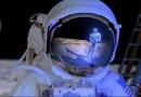 """चंद्रावर """"कुणीतरी"""" आहे – NASA च्या आणखी एका वैज्ञानिकाचा गौप्यस्फोट"""