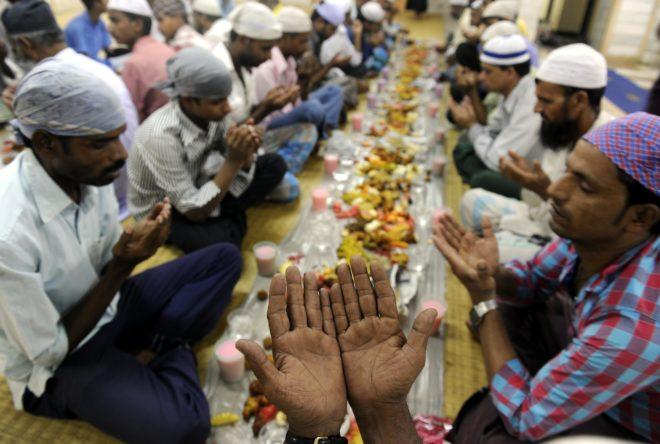 why-eid-is-celebrated-twice-a-year-marathipizza05