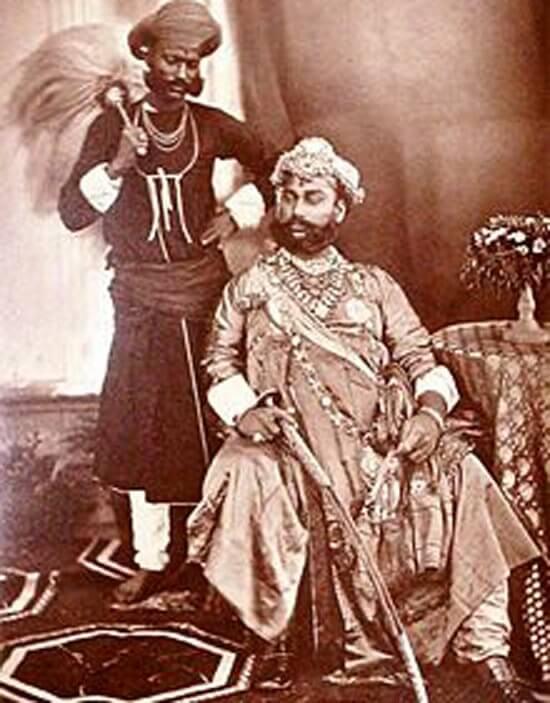 tukojirav-holkar-marathipizza02