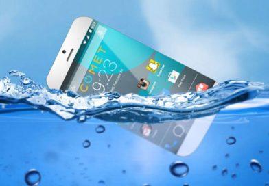 बंगळूरूच्या प्रशांतने बनवला पाण्यावर तरंगणारा मोबाईल