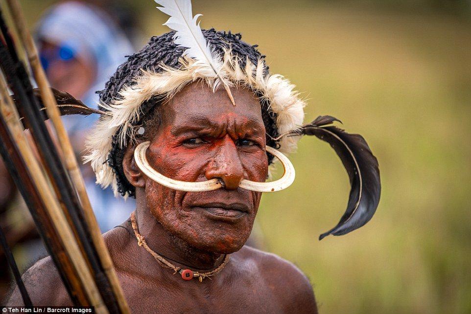 dani-tribe-indonesia-marathiizza04