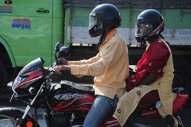 helmet-couple-marathipizza