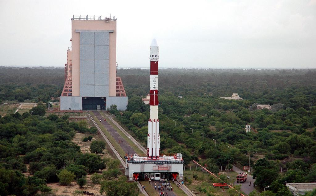 isro-83-satellites-marathipizza01