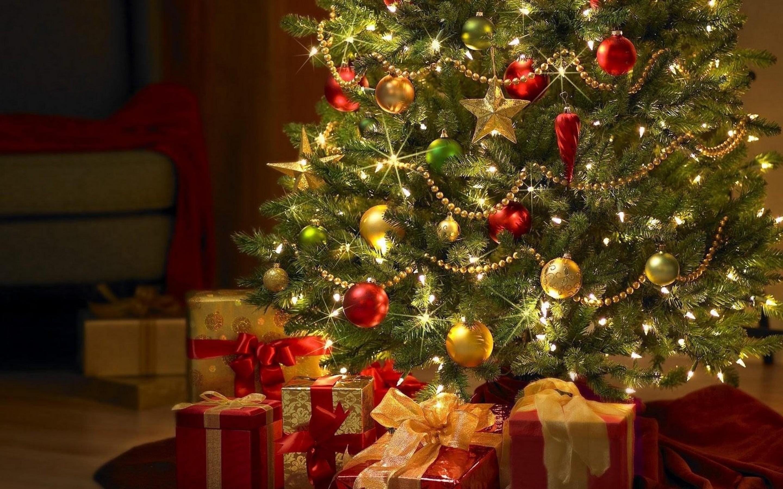 christmas-tree-significance-marathipizza00