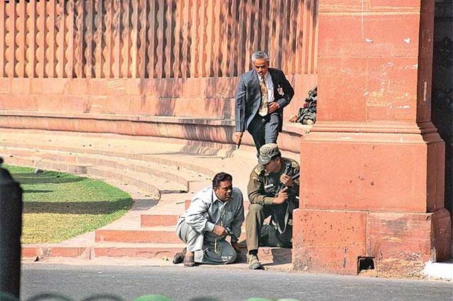 indian-parliament-attack-marathipizza02