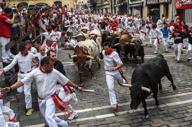 bull-running-festival-marathipizza03