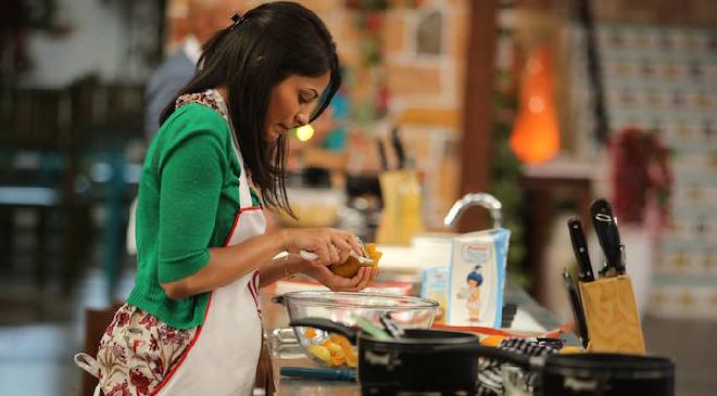 cookimg girl inmarathi