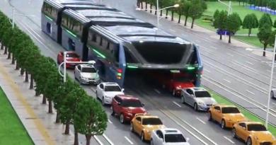 elevated-bus-beijing-china-marathipizza