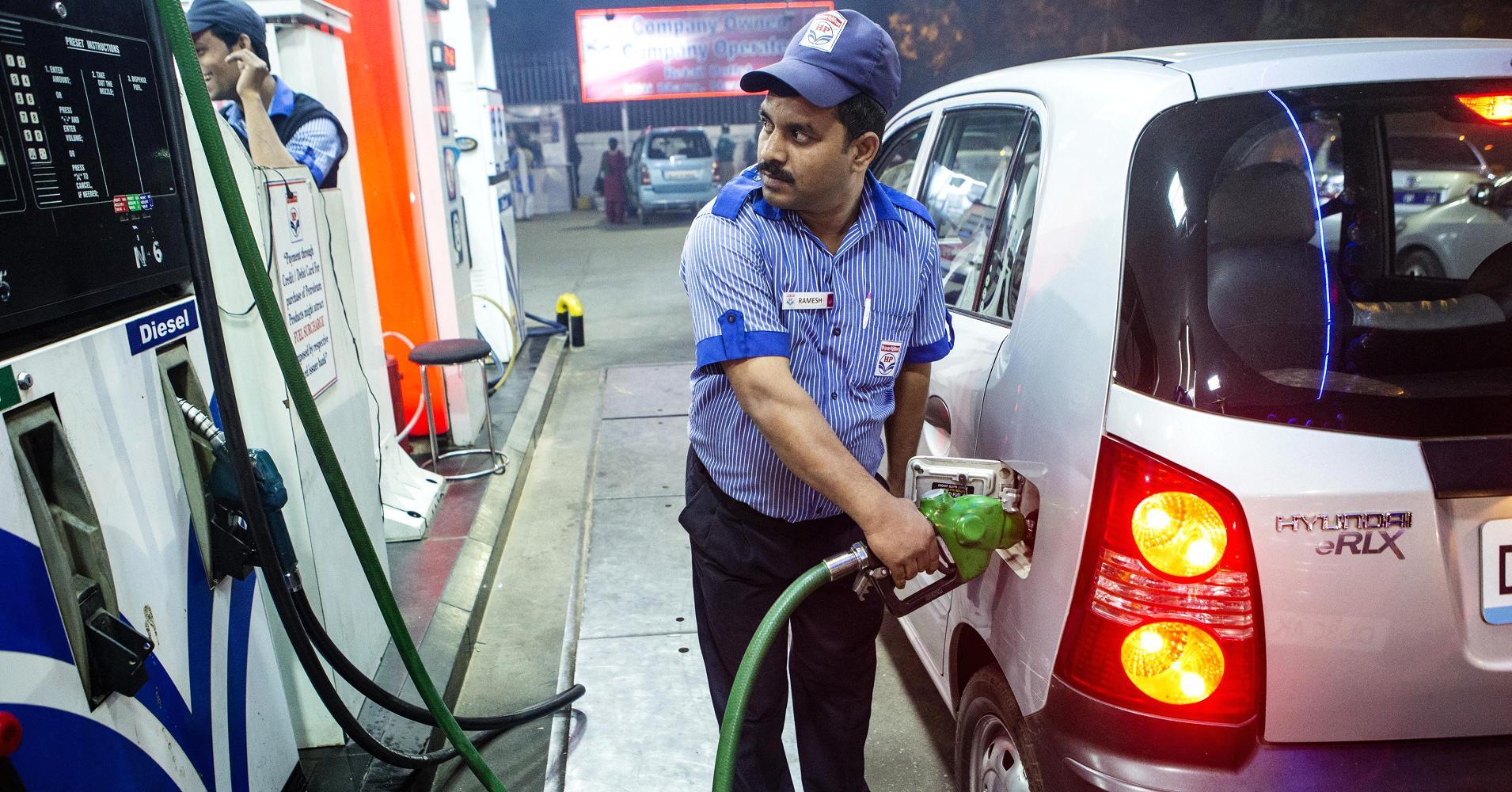 petrol-pump-marathipizza00