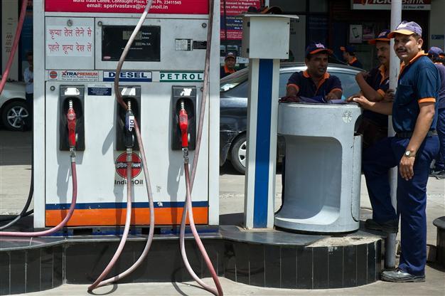 petrol-pump-marathipizza01