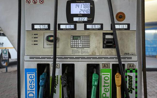 petrol-pump-marathipizza04