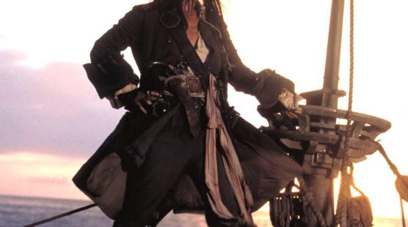 कॅप्टन जॅक स्पॅरो परत येतोय ह्यावेळी खूप धम्माल घेऊन!