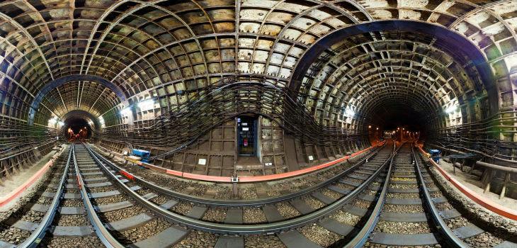 Moscow-Metro-2-Russia-marathipizza