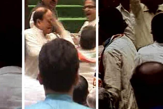 abu azmi slapped by mns mla marathipizza