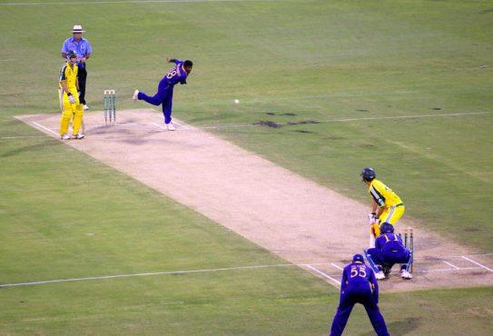 bowl vs bat inmarathi