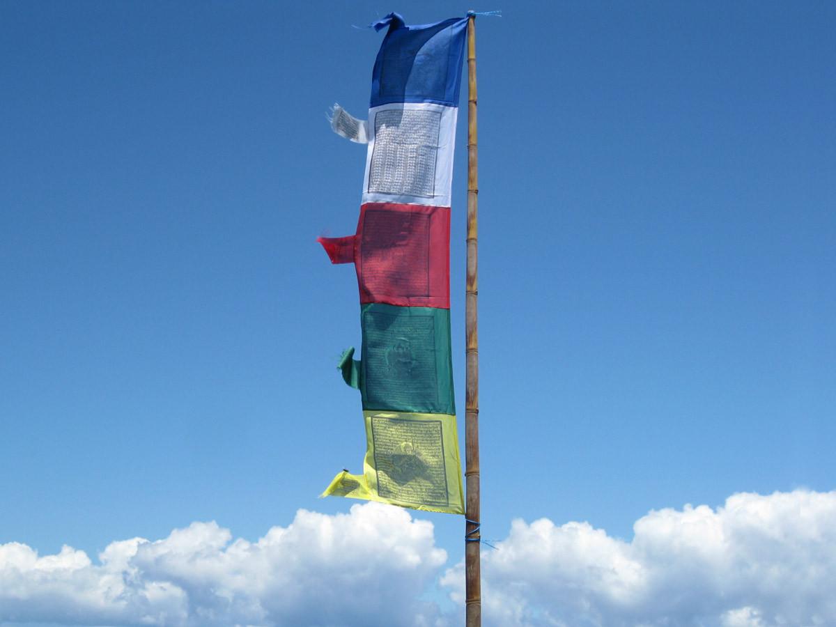 Vertical_Tibetan_Prayer_Flags-marathipizza