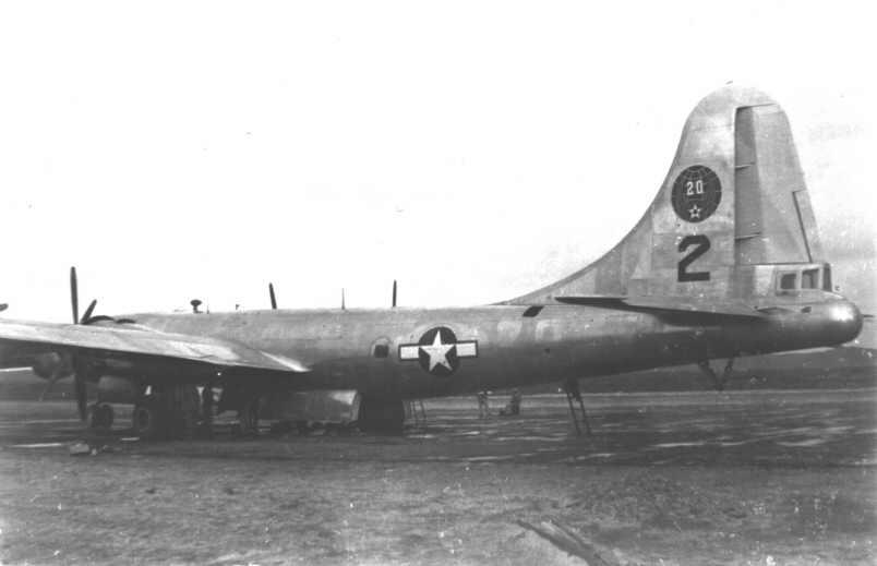 1945_B-29_Number_2_on_Hokkaido-marathipizza