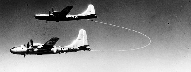 640px-'Lucky_Lady_II-_being_refuelled_by_B-29M_45-21708_061215-F-1234S-002-marathipizza