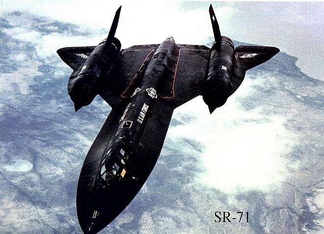 Lockheed-SR-71-Blackbird -marathipizza