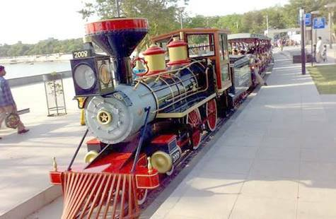 MNS Ahemadabad tour Kankaria Lake toy train marathipizza