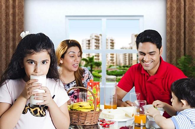 indian girl drinks milk