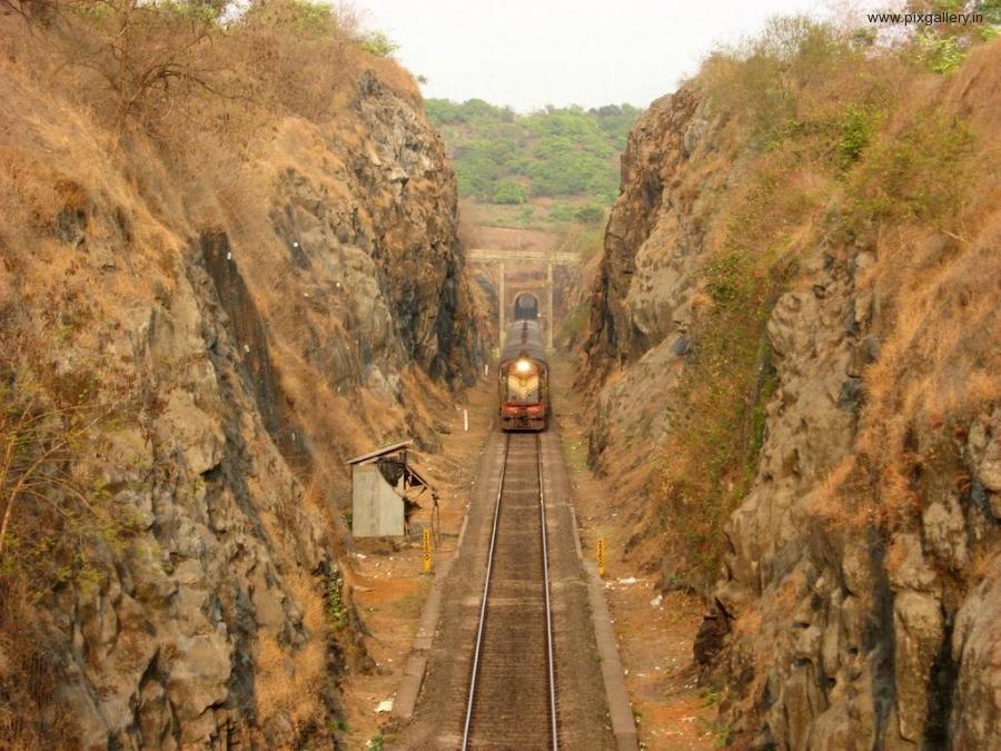 kokan-railway-marathipizza01