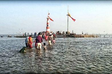 समुद्रात पाण्याखाली विराजमान असलेलं अद्भुत भारतातील अद्भुत शिव मंदिर!
