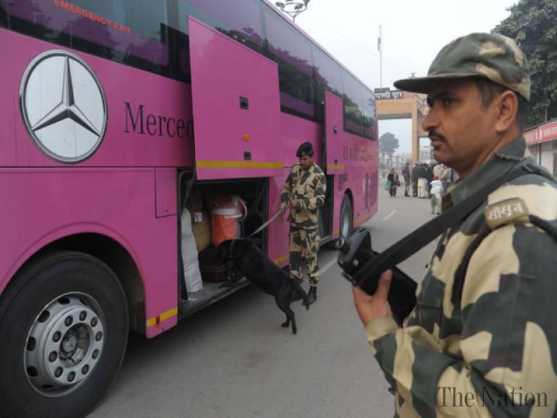 delhi-lahore-bus-marathipizza04