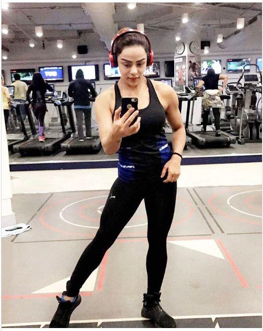female-bodybuilders-marathipizza02