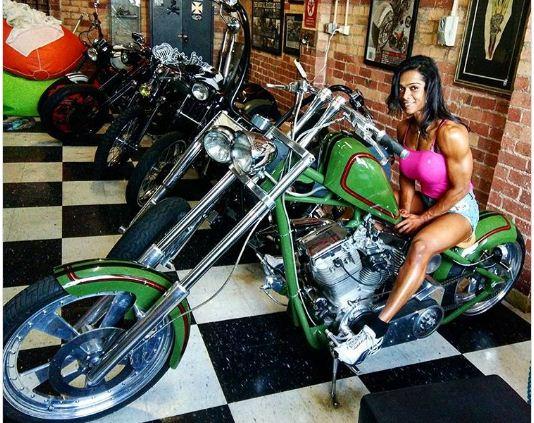 female-bodybuilders-marathipizza04