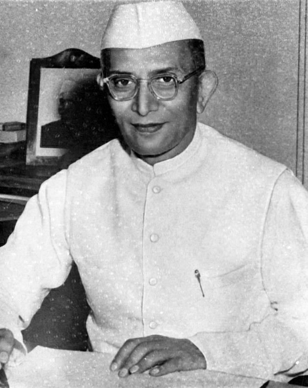 Morarji_Desai-marathipizzawikipedia.org