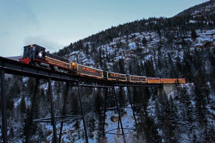 dangerous-railway-route-marathipizza06
