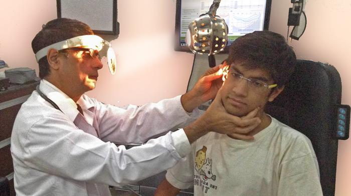 earphone-hazards-inmarathi