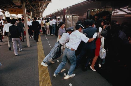 tokyo-train-marathipizza01