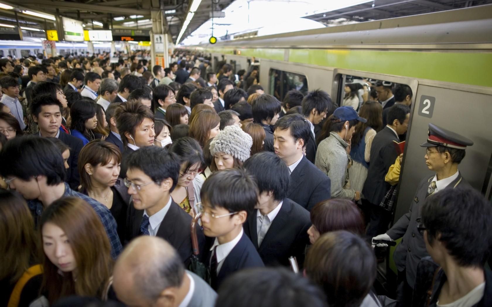 tokyo-train-marathipizza02