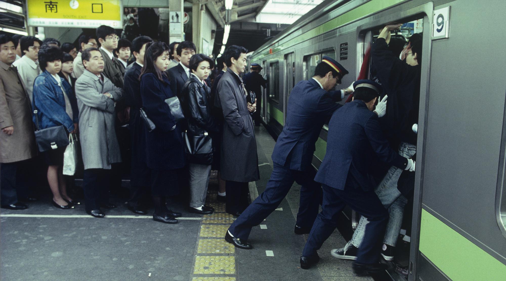 tokyo-train-marathipizza03