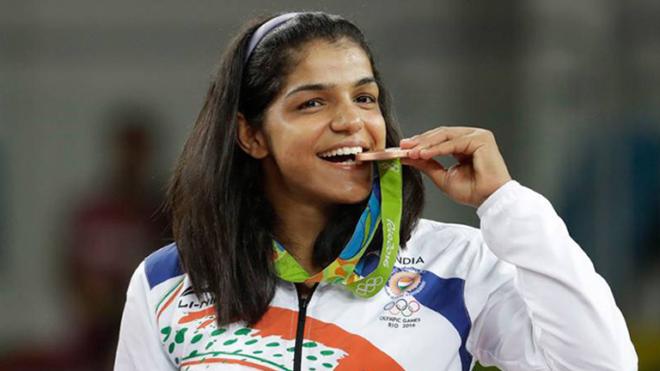 olympic-medal-bitting-marathipizza03