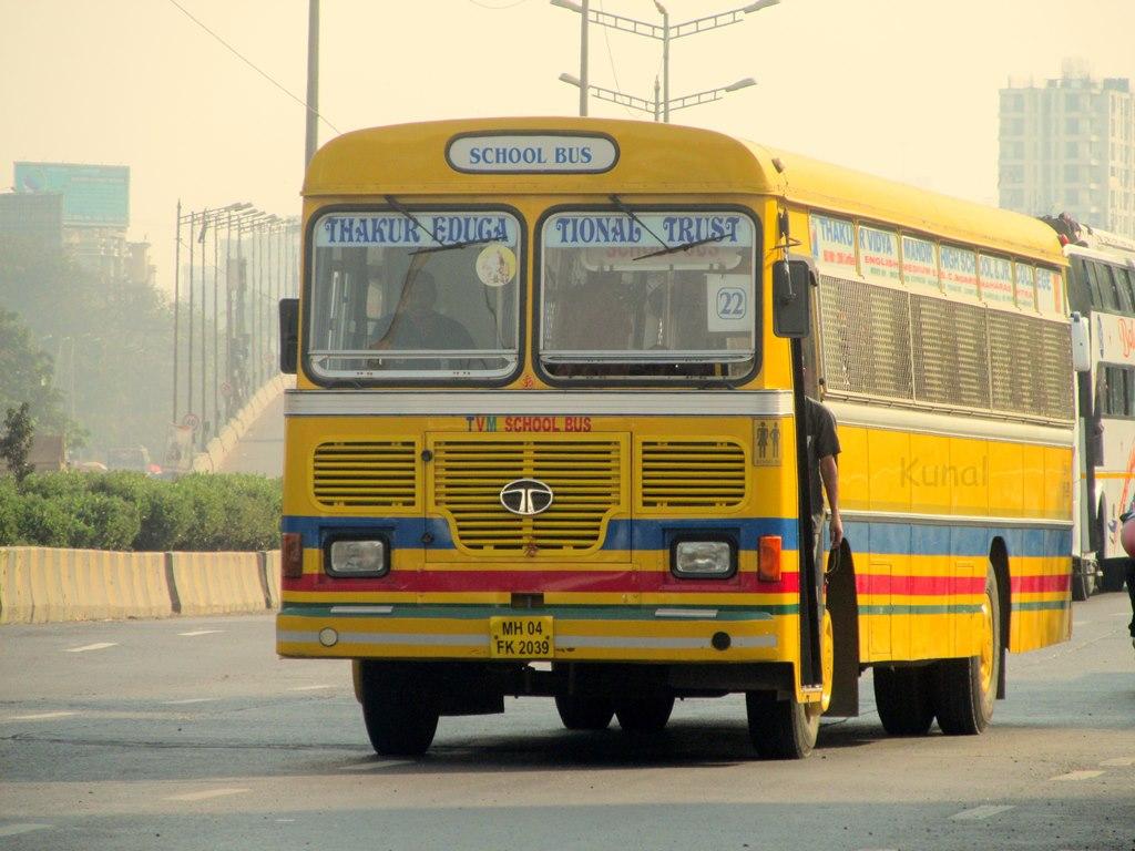 school-bus-marathipizza02