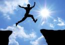 """यशस्वी होण्यासाठी """"फक्त मेहनत"""" घेऊ नका. त्या सोबत महान लोकांच्या 'ह्या' सवयी अंगीकारा!"""